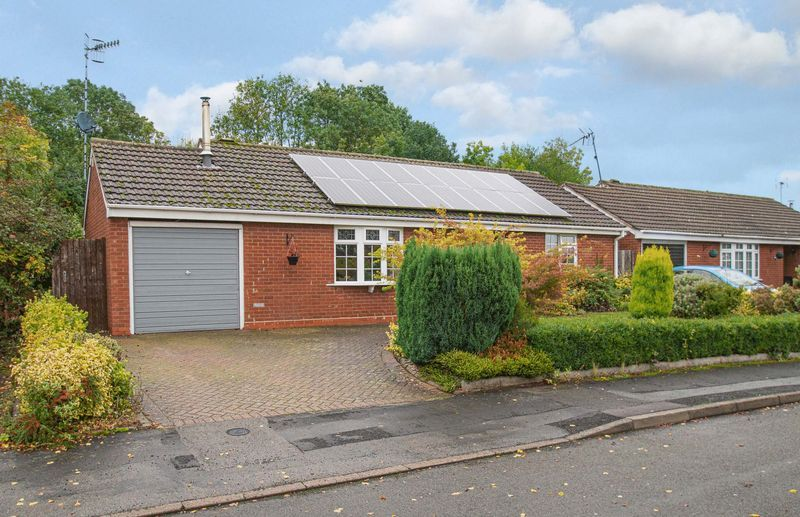 2 bed bungalow for sale in Radway Close 1