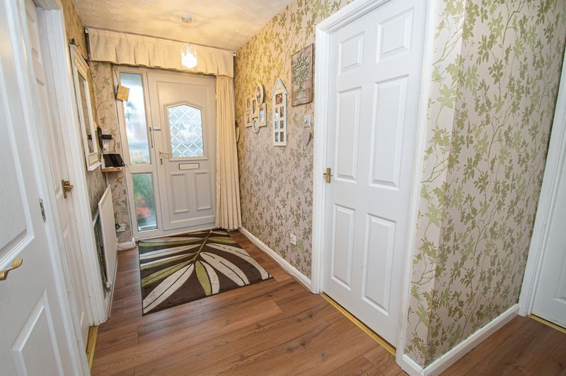 2 bed bungalow for sale in Radway Close 11