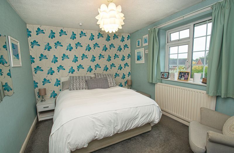 2 bed bungalow for sale in Radway Close 4