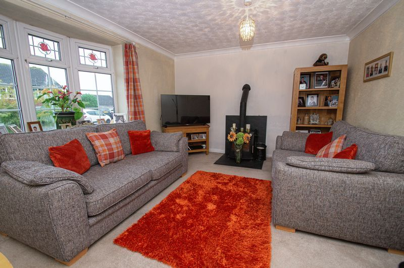 2 bed bungalow for sale in Radway Close 5
