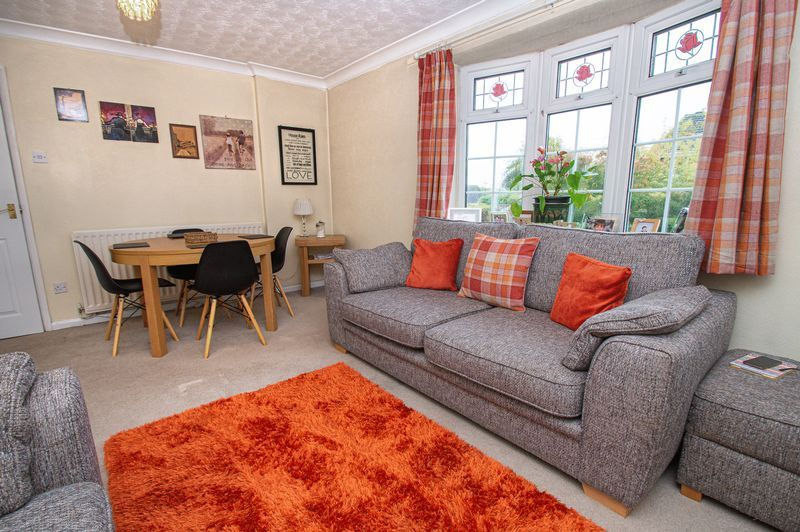 2 bed bungalow for sale in Radway Close 6