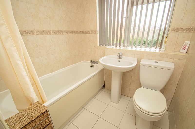 4 bed house for sale in Fulton Close  - Property Image 12