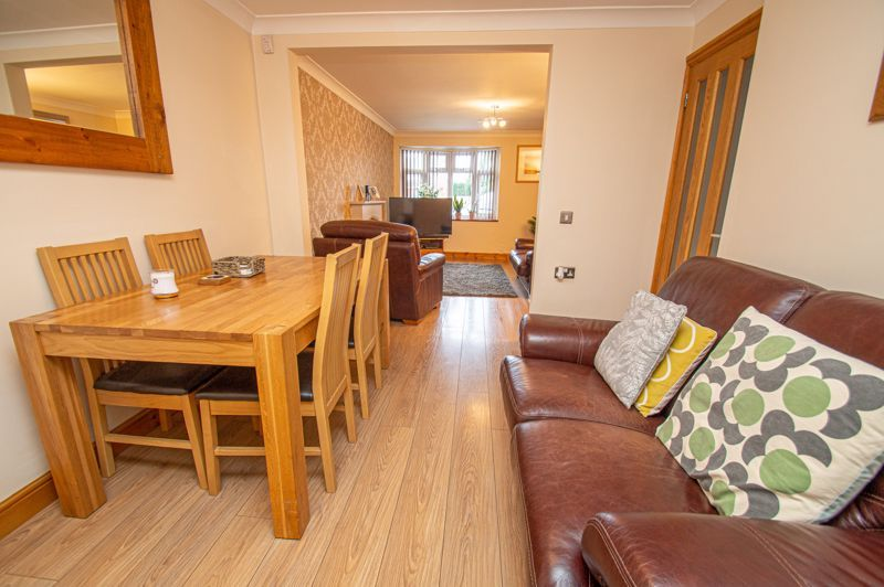 4 bed house for sale in Fulton Close 5