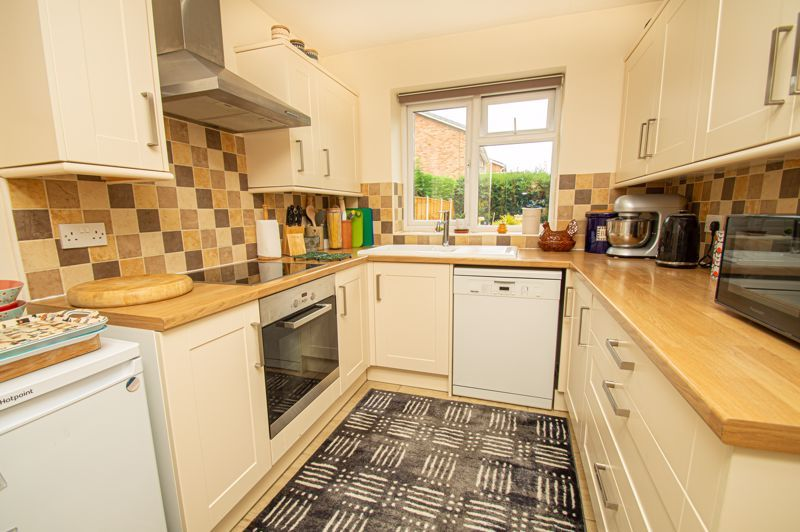 4 bed house for sale in Fulton Close 7