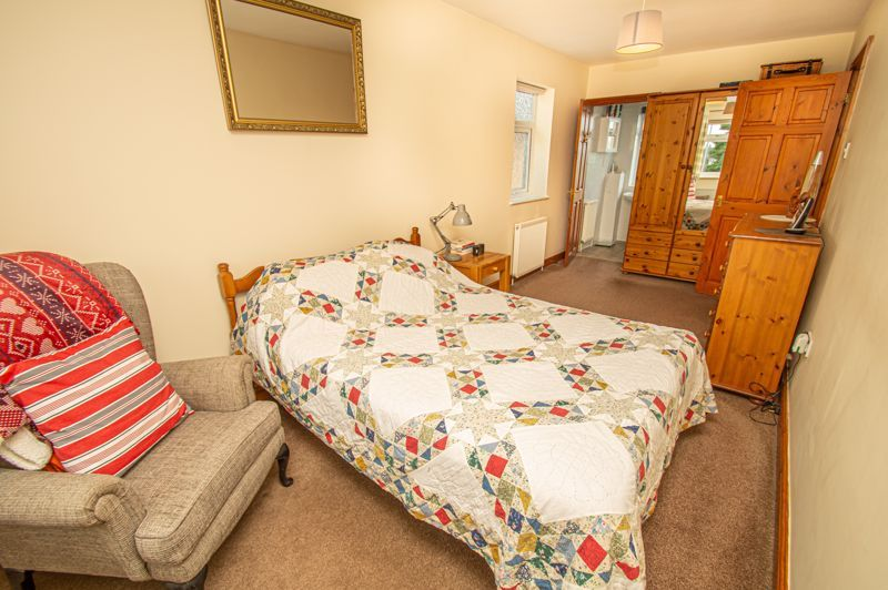 4 bed house for sale in Fulton Close  - Property Image 8