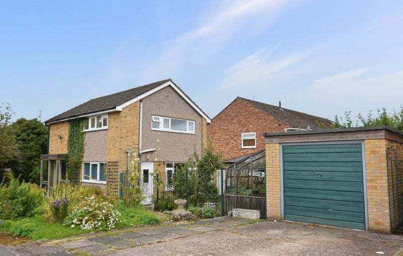 3 bed house for sale in Spadesbourne Road 1