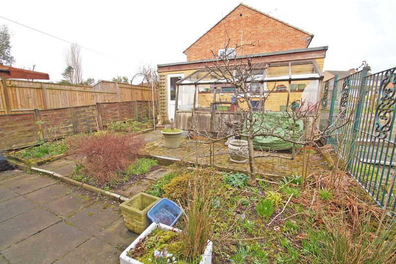 3 bed house for sale in Spadesbourne Road  - Property Image 13