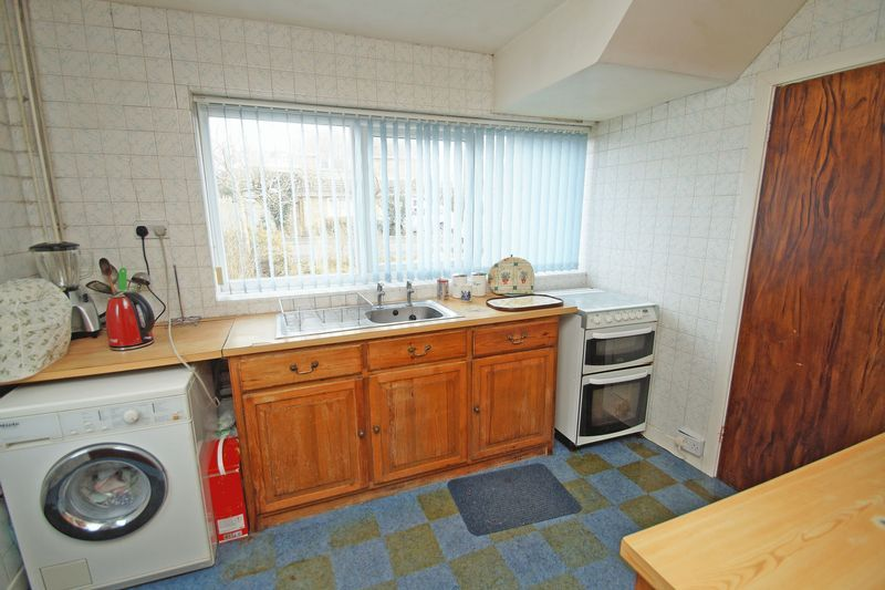 3 bed house for sale in Spadesbourne Road  - Property Image 5