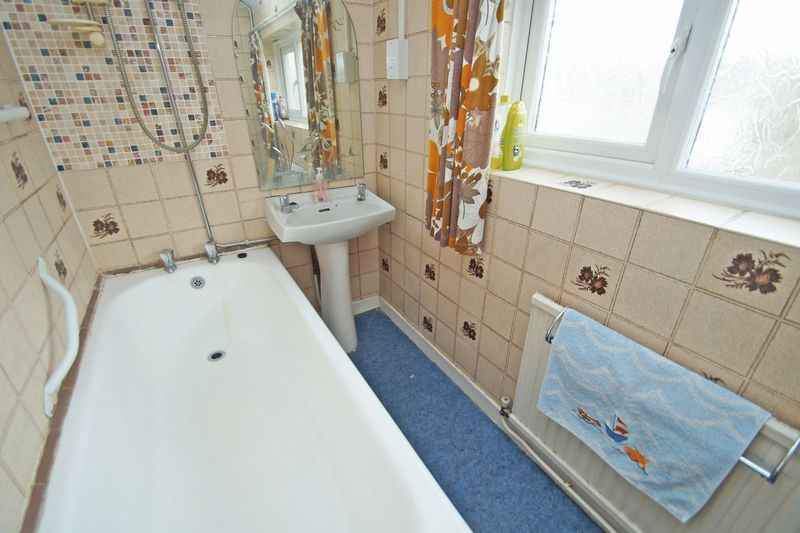 3 bed house for sale in Spadesbourne Road  - Property Image 8