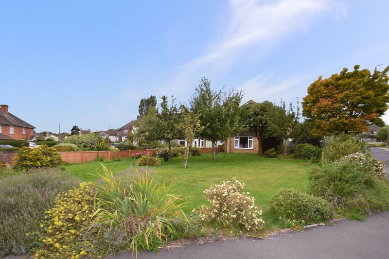 3 bed house for sale in Spadesbourne Road 10