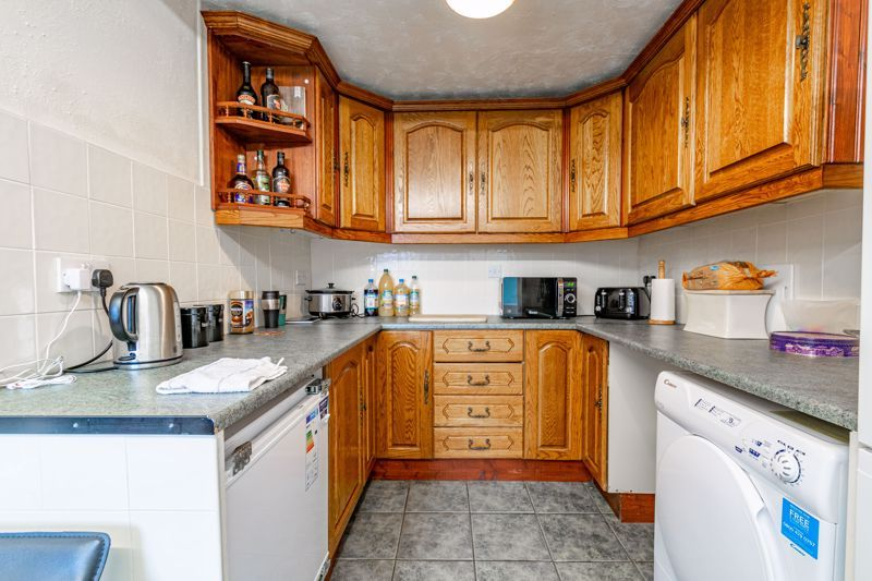 2 bed house for sale in Beech Road  - Property Image 5