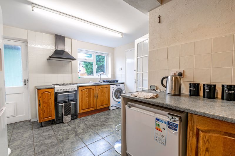 2 bed house for sale in Beech Road 6