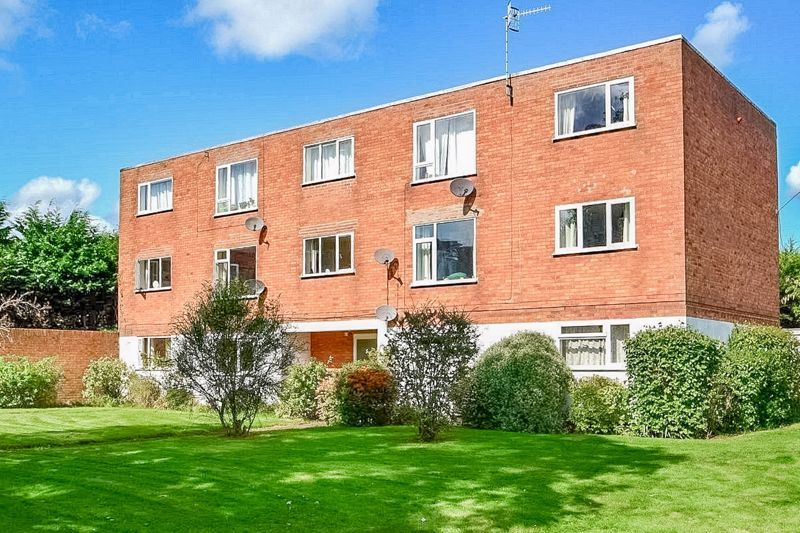 2 bed flat for sale in Farleigh Road  - Property Image 1