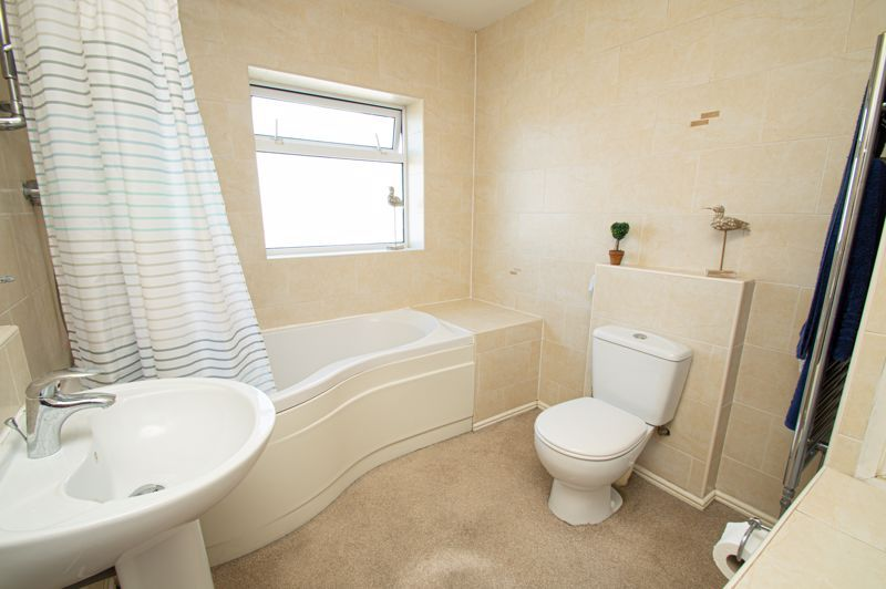 4 bed house for sale in Highfield Road  - Property Image 13