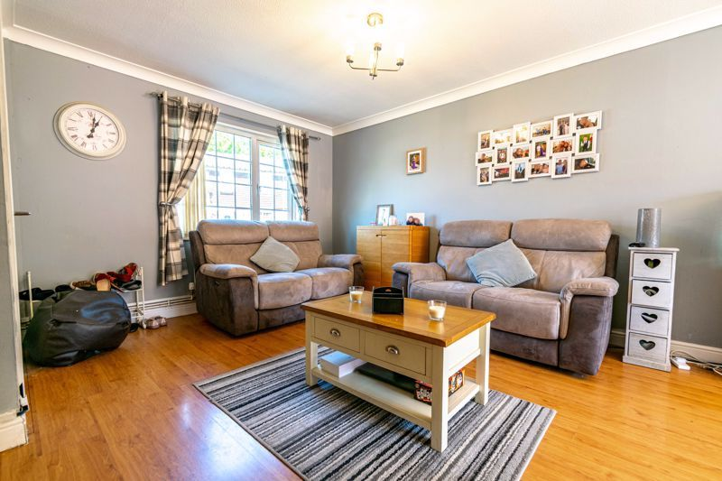 3 bed house for sale in Blakemere Close 2