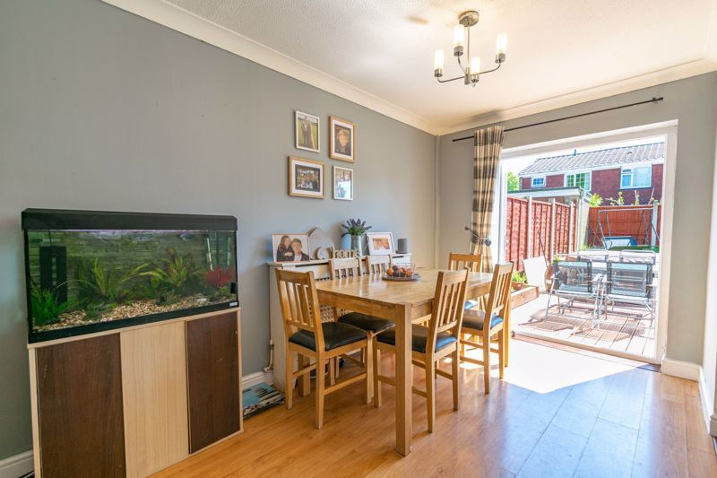 3 bed house for sale in Blakemere Close 4