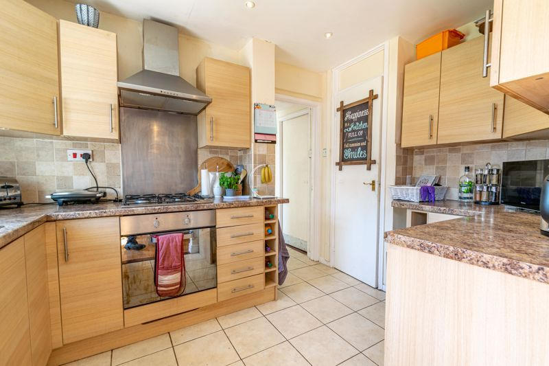 3 bed house for sale in Blakemere Close 5