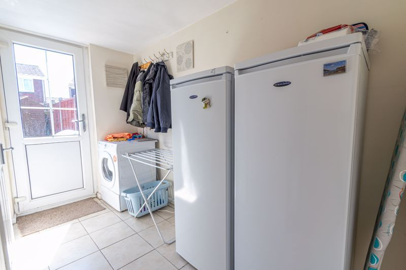 3 bed house for sale in Blakemere Close 6
