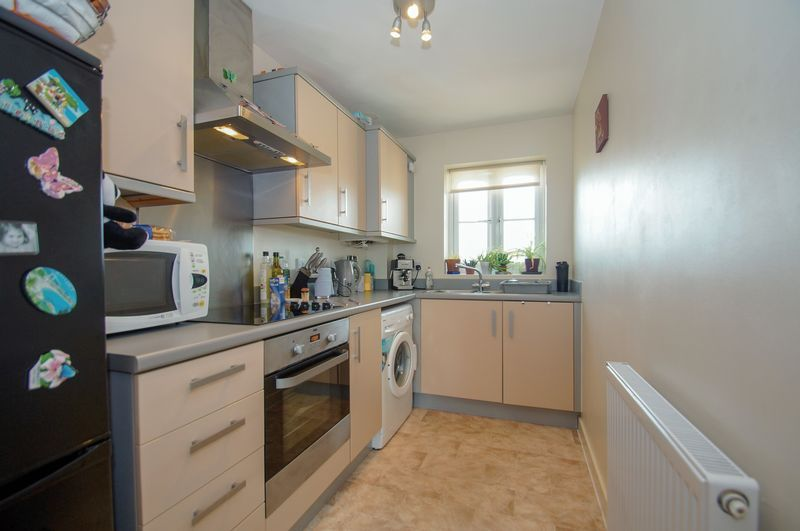 2 bed flat for sale in Hollington House 4
