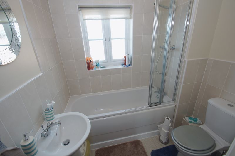 2 bed flat for sale in Hollington House 9