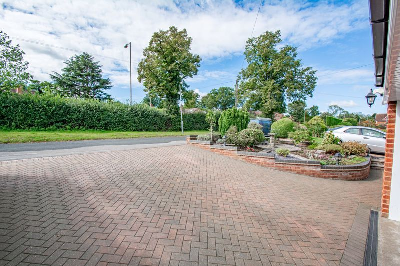 4 bed house for sale in Kidderminster Road  - Property Image 17