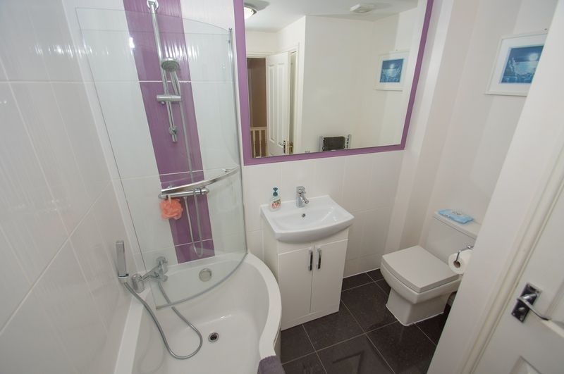 4 bed house for sale in Dixon Close  - Property Image 13