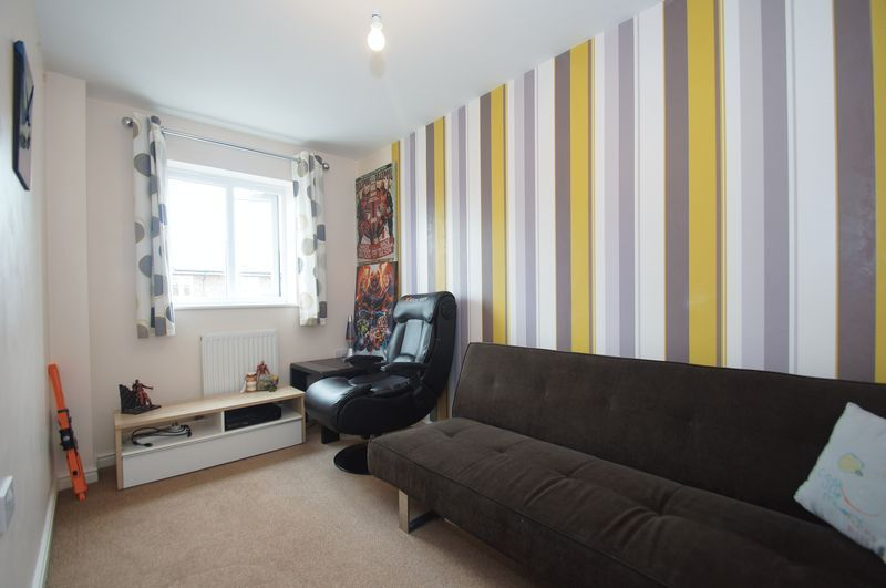 4 bed house for sale in Dixon Close 14