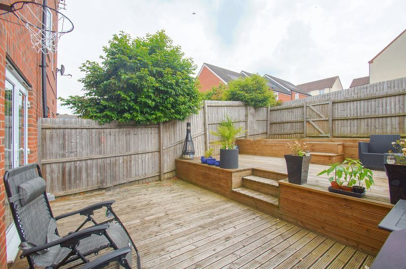 4 bed house for sale in Dixon Close  - Property Image 16