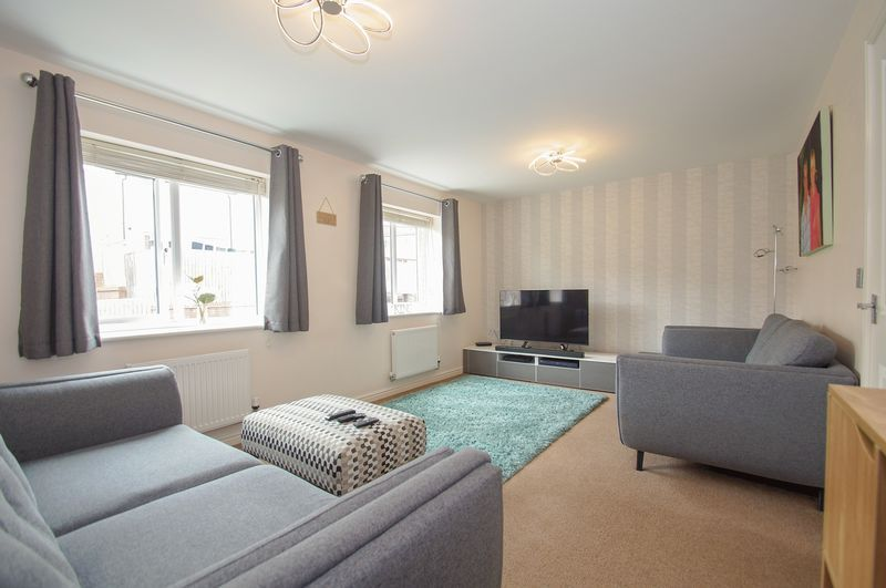 4 bed house for sale in Dixon Close  - Property Image 9