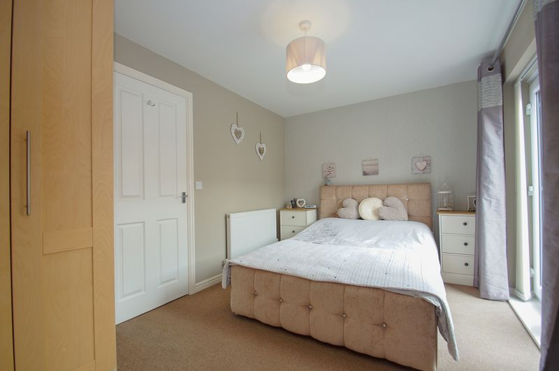 4 bed house for sale in Dixon Close 10