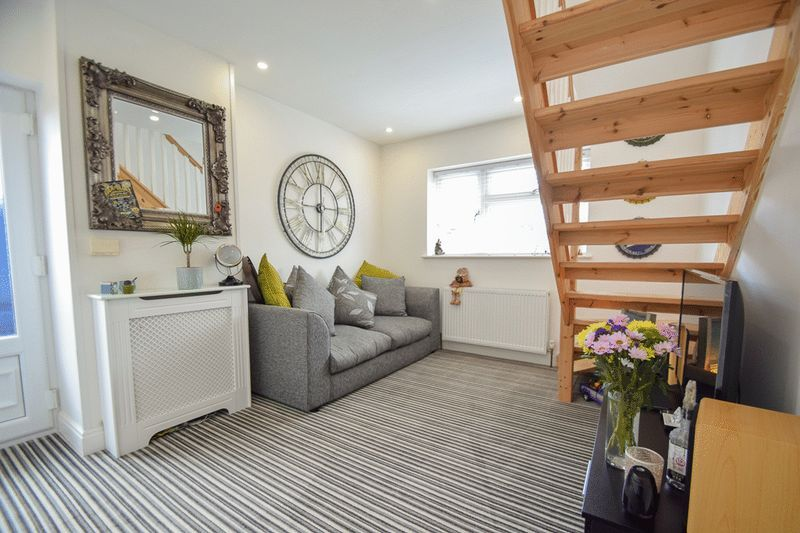 2 bed house for sale in Brueton Avenue  - Property Image 3