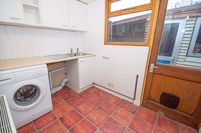 3 bed house for sale in Cheswick Close 8