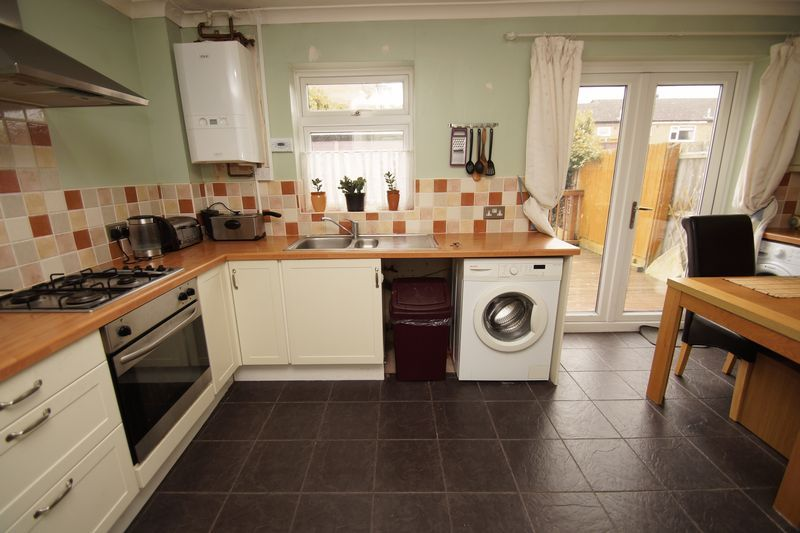 2 bed house for sale in Vallet Avenue 3