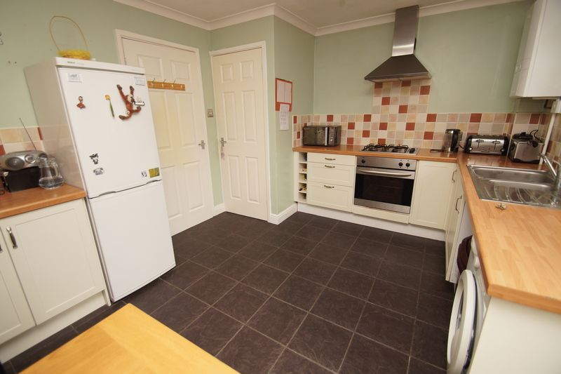 2 bed house for sale in Vallet Avenue 4