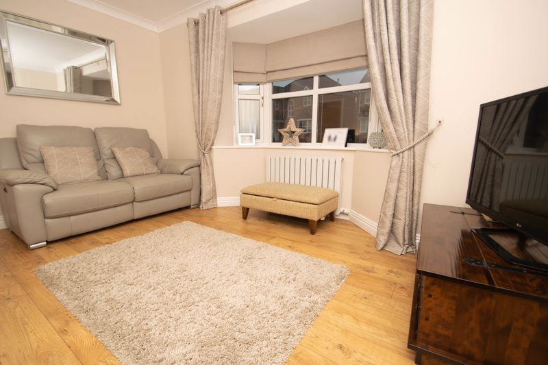 4 bed house for sale in Findon Close  - Property Image 14