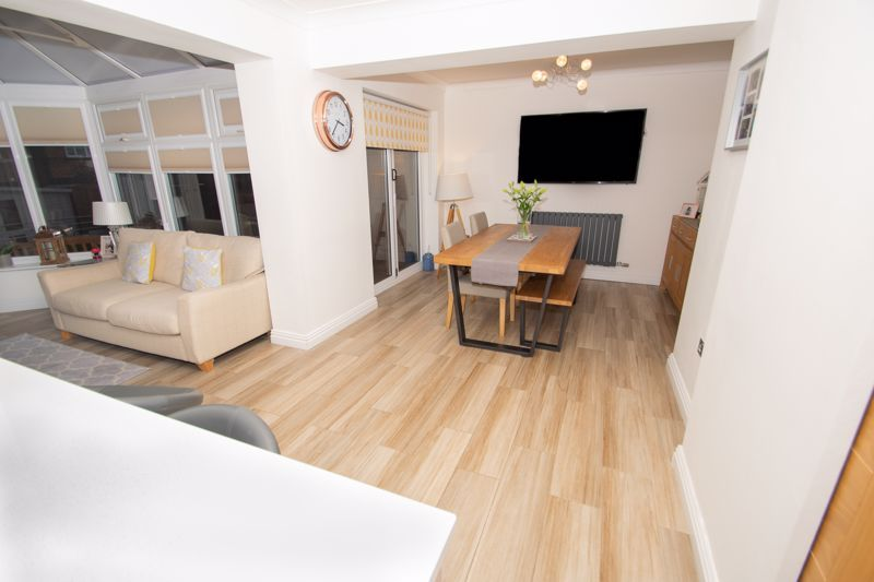 4 bed house for sale in Findon Close 20
