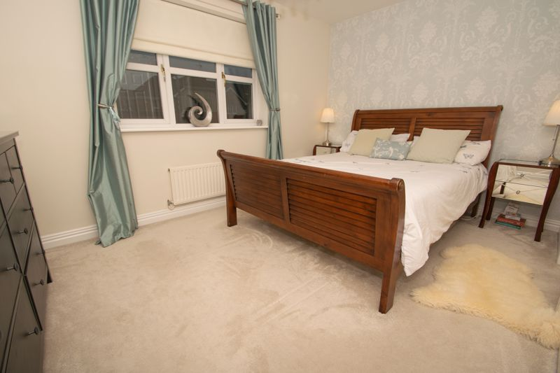 4 bed house for sale in Findon Close 7
