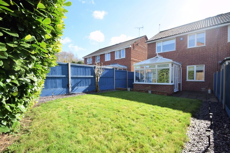3 bed house for sale in Abbotswood Close 11