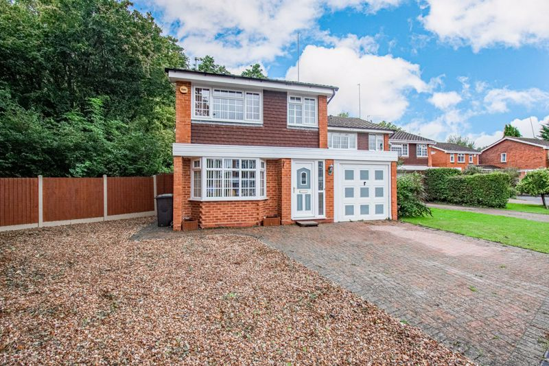 3 bed house for sale in Berkeley Close  - Property Image 2