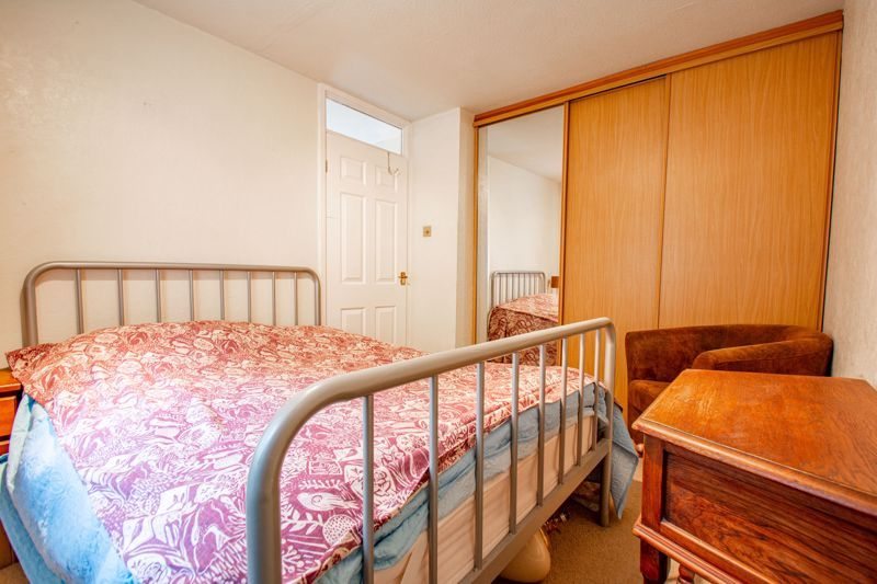 3 bed house for sale in Berkeley Close 15