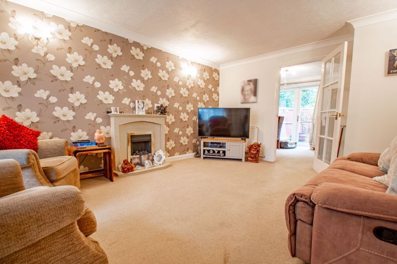 3 bed house for sale in Berkeley Close  - Property Image 3
