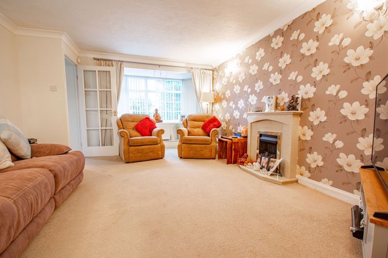3 bed house for sale in Berkeley Close 4