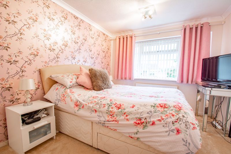 3 bed house for sale in Berkeley Close 9