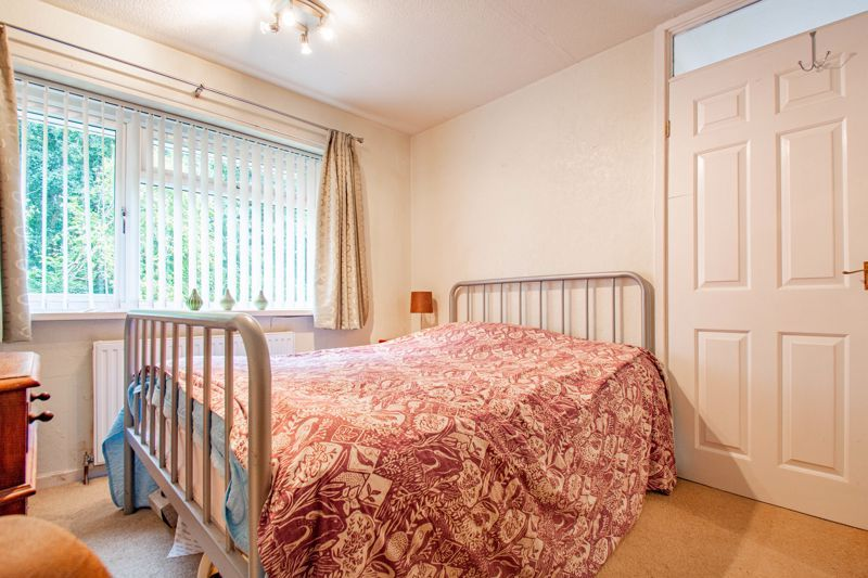 3 bed house for sale in Berkeley Close 10