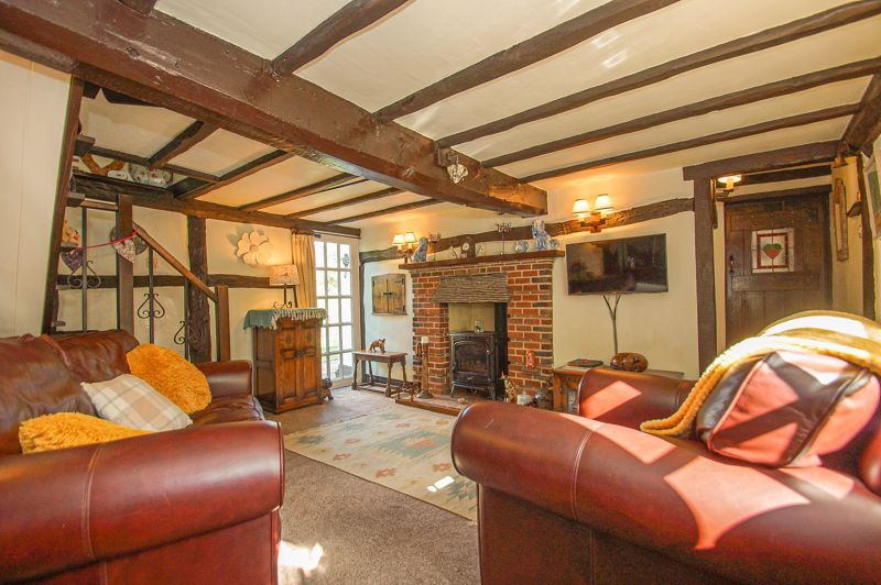 3 bed cottage for sale in Holt Hill  - Property Image 2