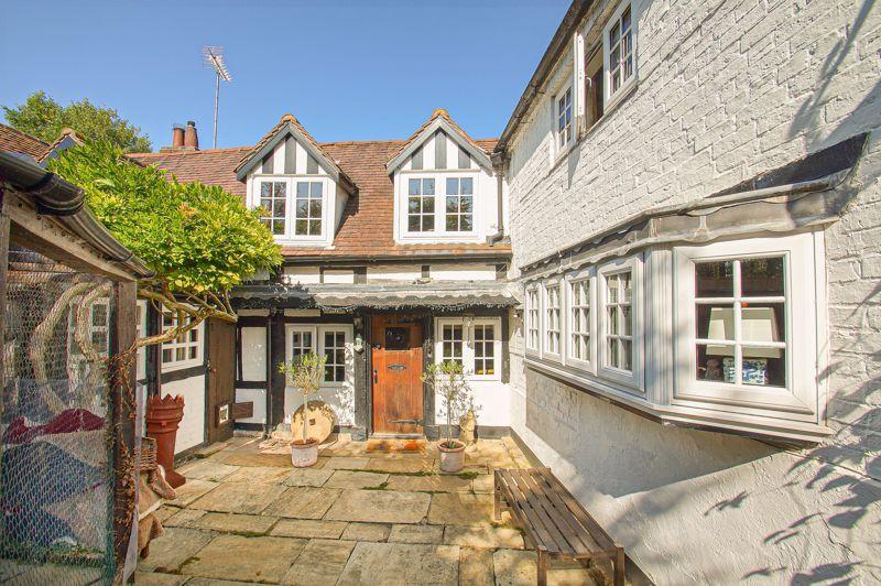 3 bed cottage for sale in Holt Hill 17