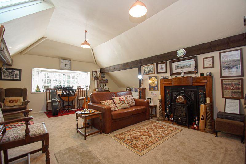 3 bed cottage for sale in Holt Hill 5