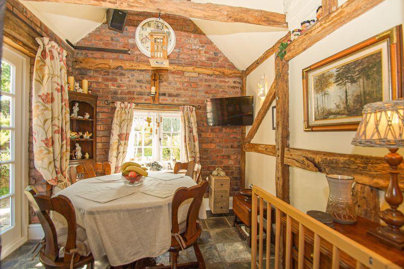 3 bed cottage for sale in Holt Hill 6