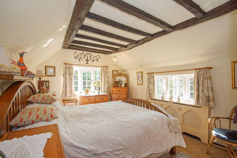 3 bed cottage for sale in Holt Hill 8