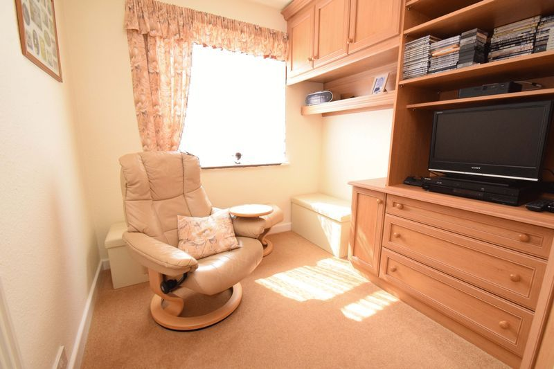 2 bed bungalow for sale in St. Peters Close 12
